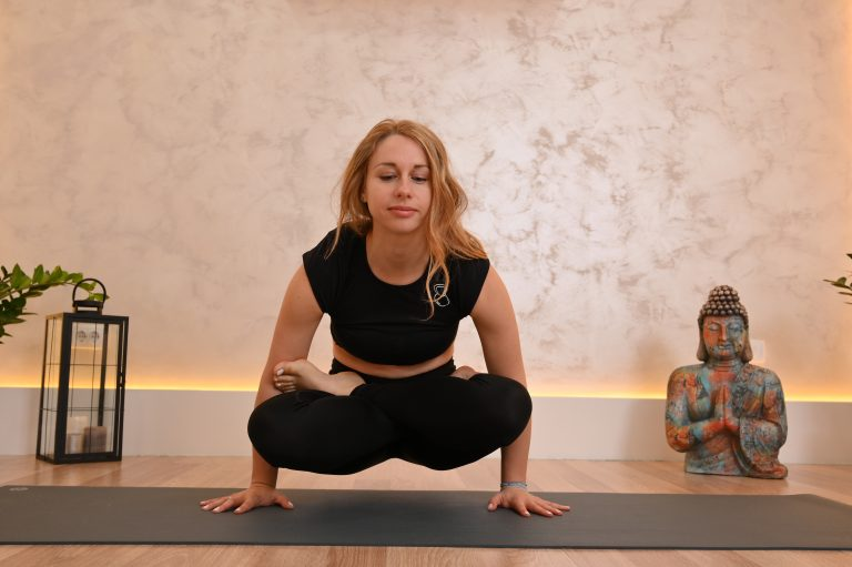 Završne asane: Yoga Mudra – Padamasana – Utplutih